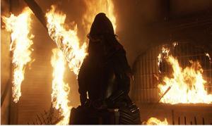 本能寺の変によって燃え上がる炎