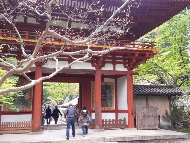 仁王門の裏側